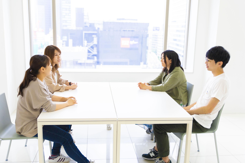 座談会中の風景