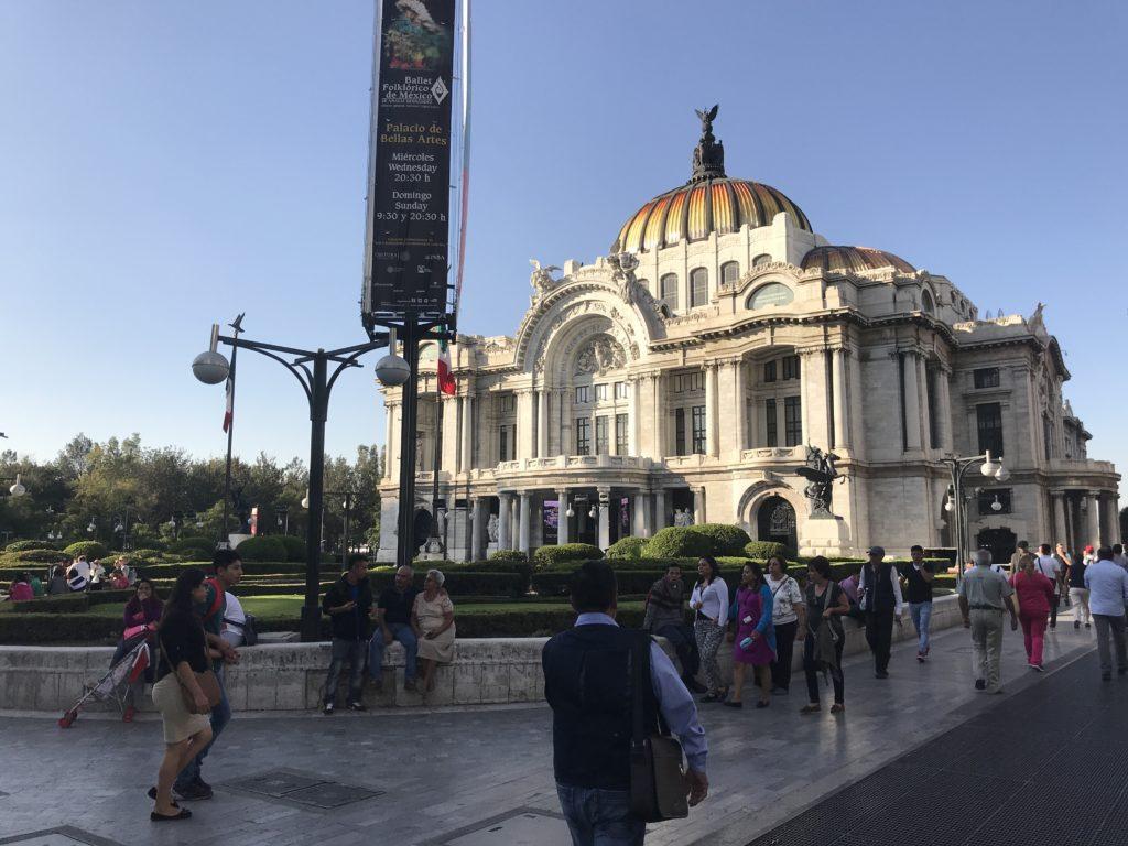 ペジャス・アルテス宮殿