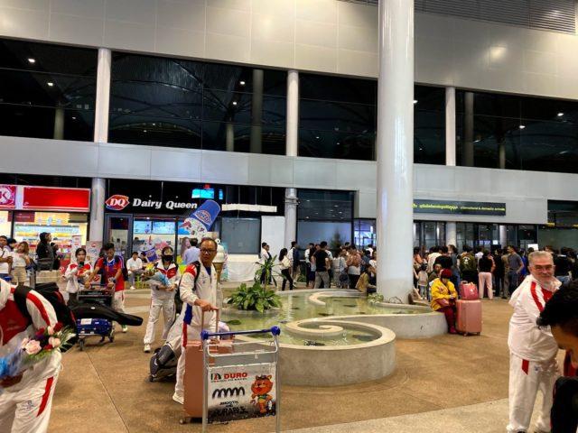 プノンペン国際空港到着ロビー