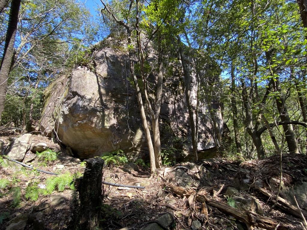 馬越峠 公園 巨石