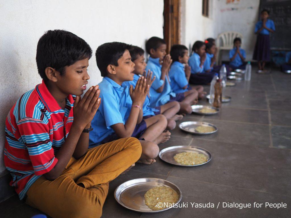 インドの給食の様子