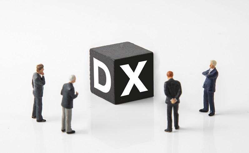 企業でDXを実現するために、改めて一緒にDXの流れを見直してみましょう!【第1回:DX推進ガイドラインの構成】