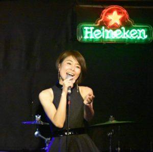 真璃子(アイドル)の今現在と結婚(旦那・夫・子供)とカフェ潰れた?【爆 ...